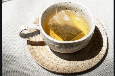 Teas Are Effective in Overcoming Bloated and Tight Stomach
