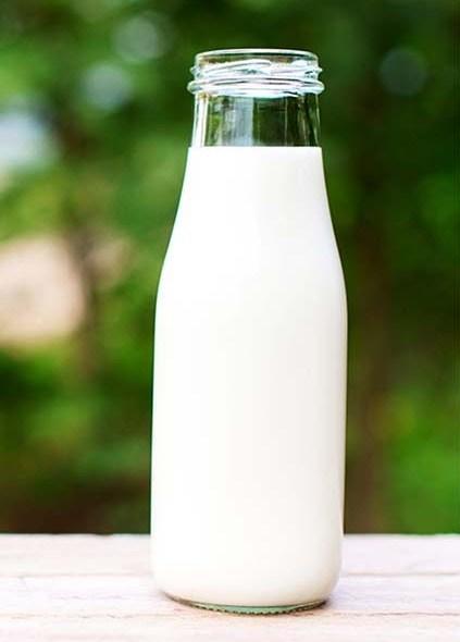 Dangers Of Drinking Raw Milk